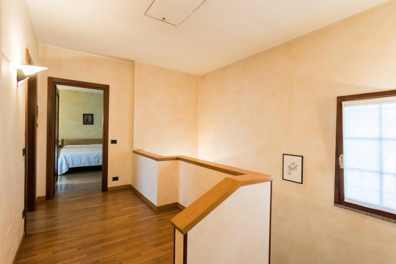 Villa-singola-con-grande-giardino-in-vendita-a-Bellusco-22