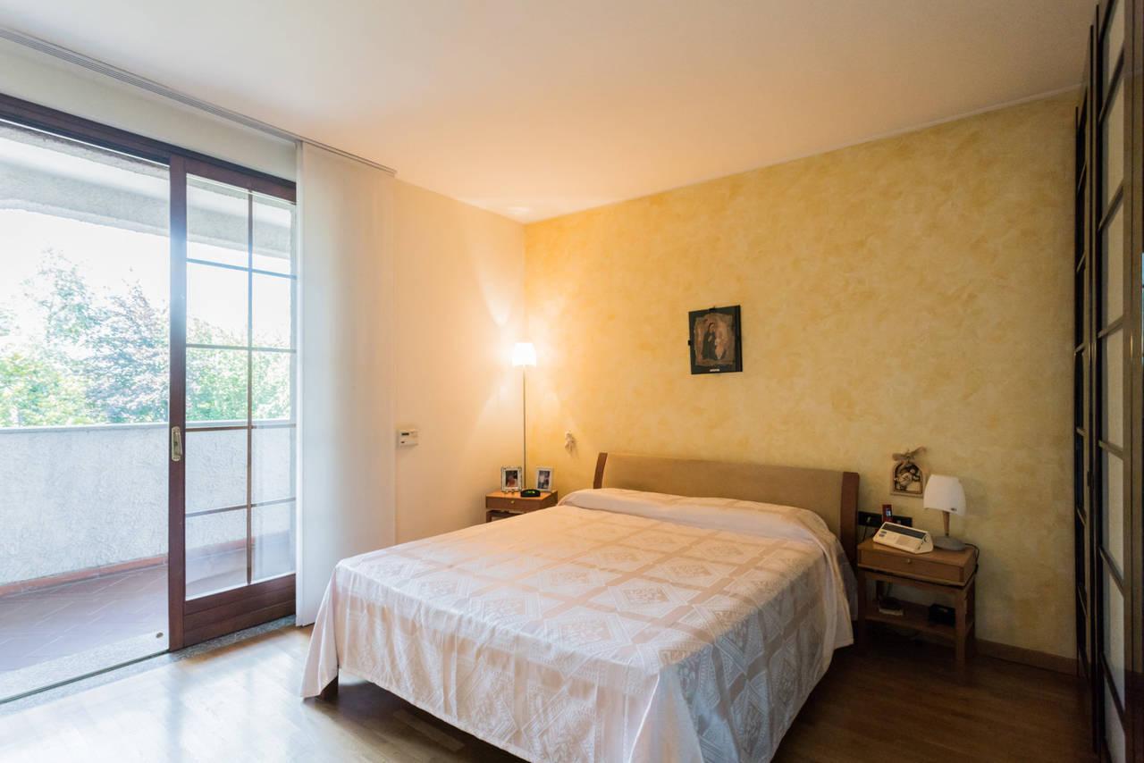 Villa-singola-con-grande-giardino-in-vendita-a-Bellusco-24