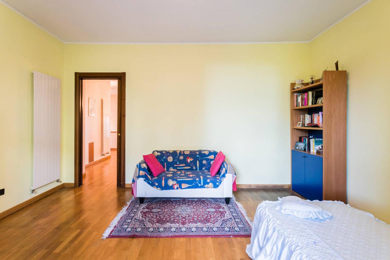 Villa-singola-con-grande-giardino-in-vendita-a-Bellusco-25