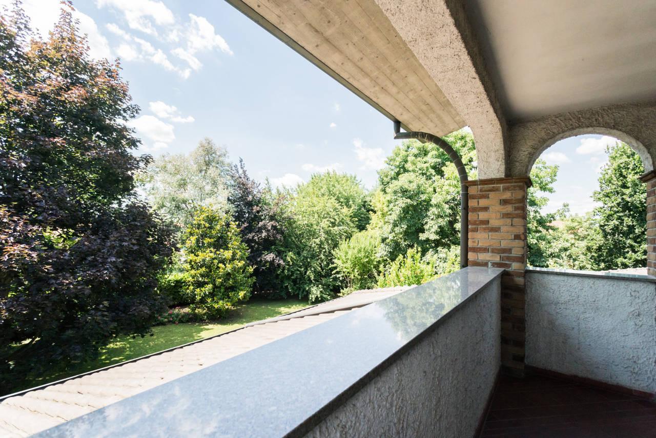 Villa-singola-con-grande-giardino-in-vendita-a-Bellusco-30