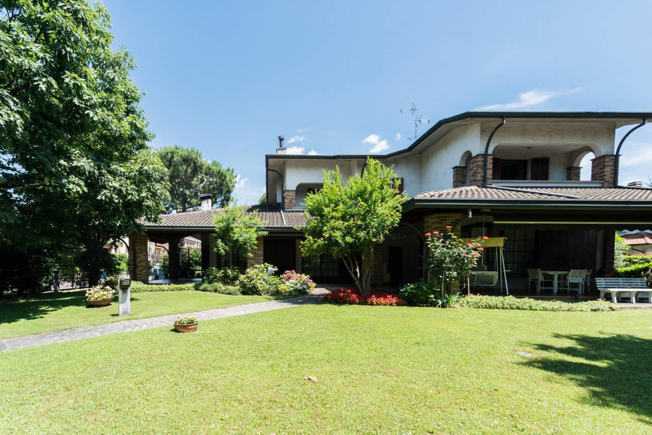 Villa-singola-con-grande-giardino-in-vendita-a-Bellusco-6