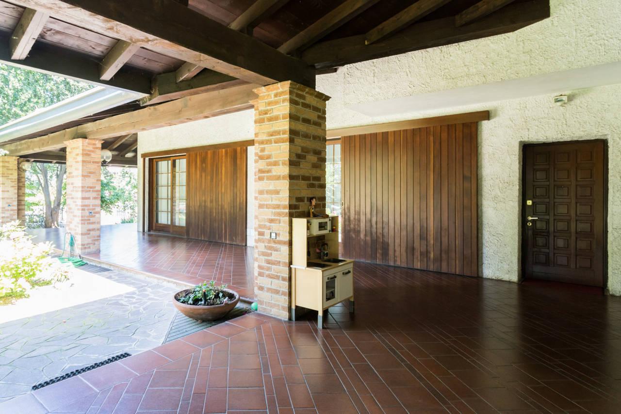 Villa-singola-con-grande-giardino-in-vendita-a-Bellusco-8