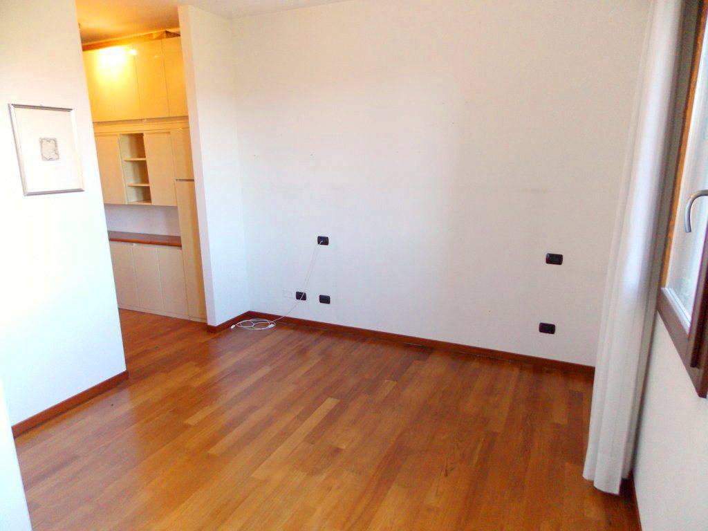 Villa-singola-in-vendita-a-Bernareggio-in-Brianza-25