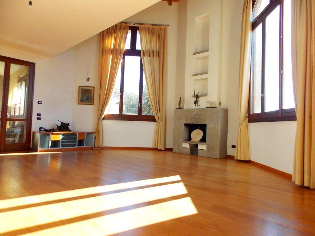 Villa-singola-in-vendita-a-Bernareggio-in-Brianza-3