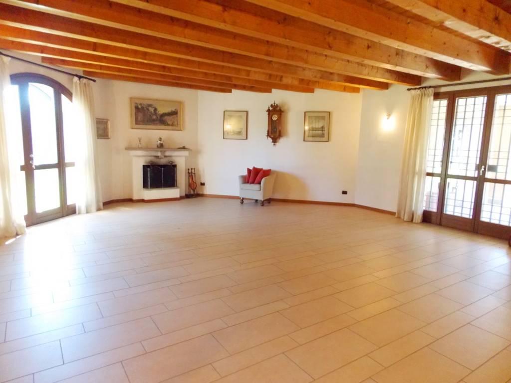 Villa-singola-in-vendita-a-Bernareggio-in-Brianza-32