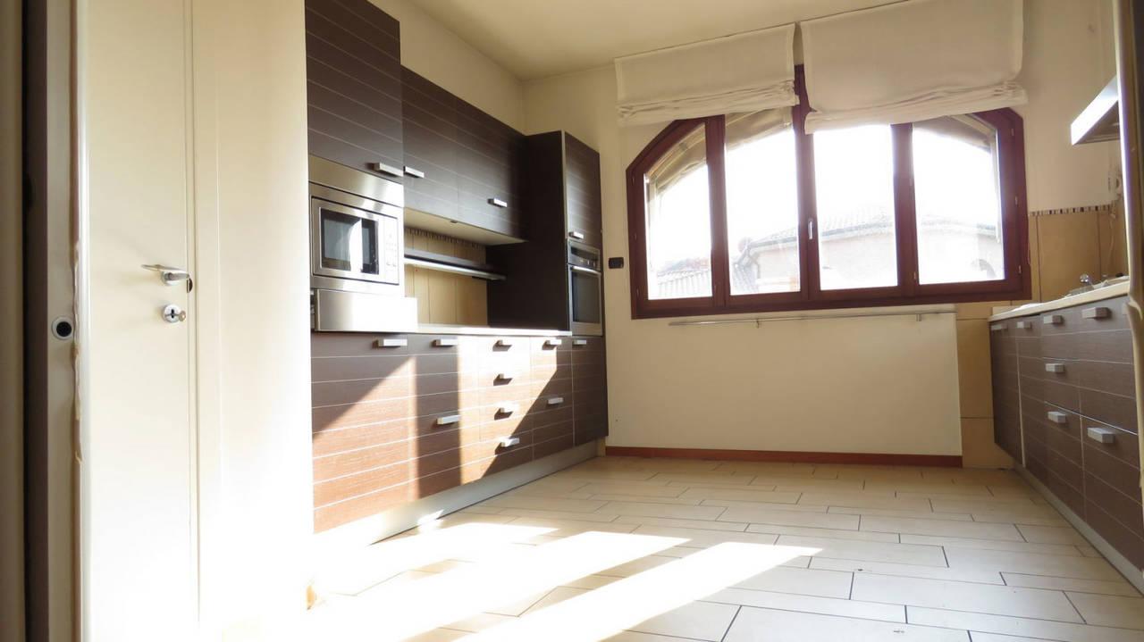 Villa-singola-in-vendita-a-Bernareggio-in-Brianza-6