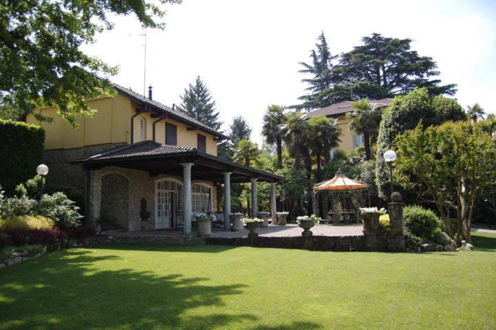 Villa-singola-liberty-con-dependance-in-vendita-a-Merate-1