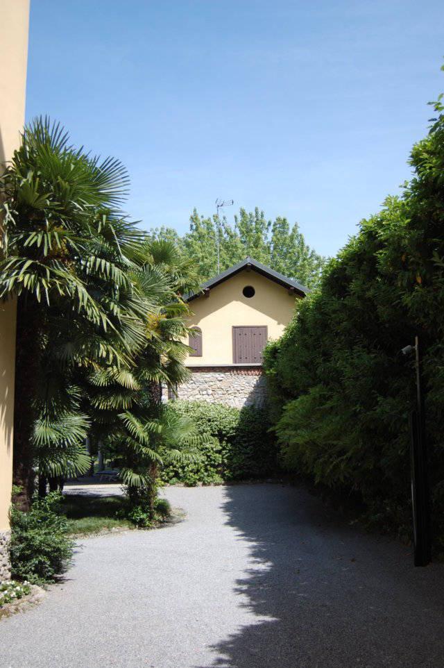 Villa-singola-liberty-con-dependance-in-vendita-a-Merate-19