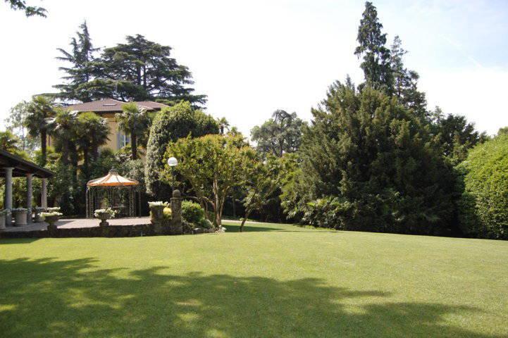 Villa-singola-liberty-con-dependance-in-vendita-a-Merate-3