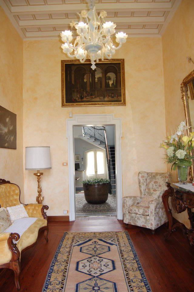Villa-singola-liberty-con-dependance-in-vendita-a-Merate-8
