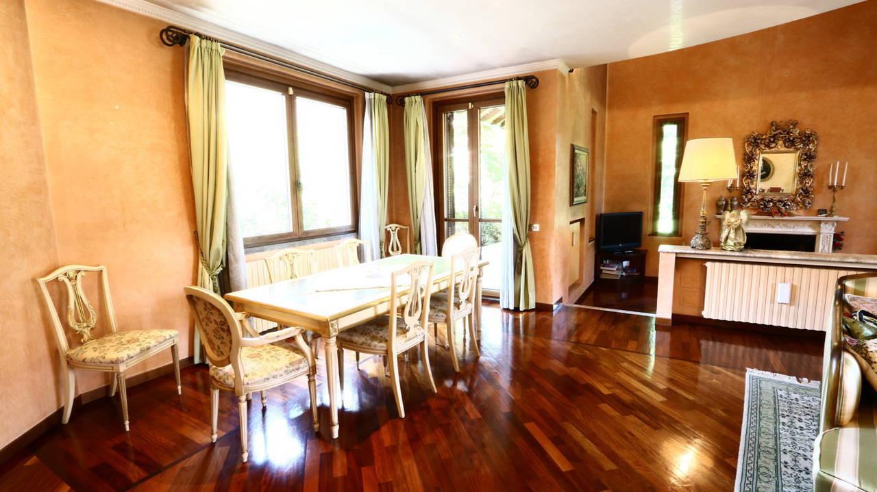 Villa-singola-signorile-in-vendita-a-Busnago-in-Brianza-13
