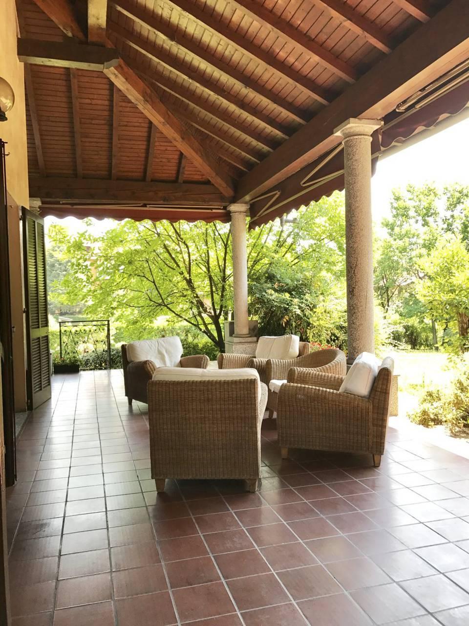 Villa-singola-signorile-in-vendita-a-Busnago-in-Brianza-25