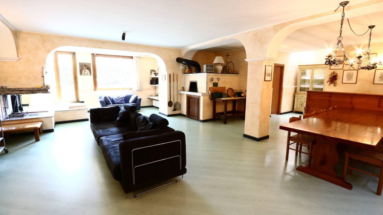 Villa-singola-signorile-in-vendita-a-Busnago-in-Brianza-28