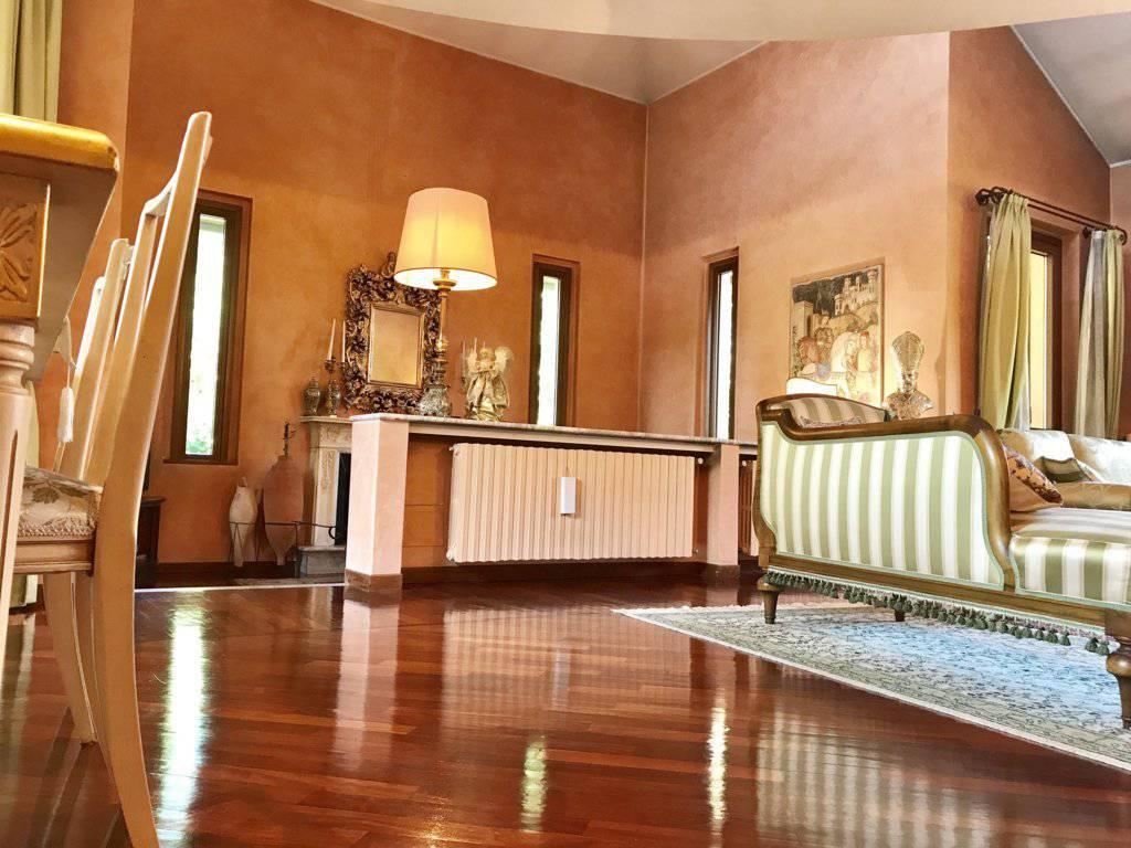 Villa-singola-signorile-in-vendita-a-Busnago-in-Brianza-32