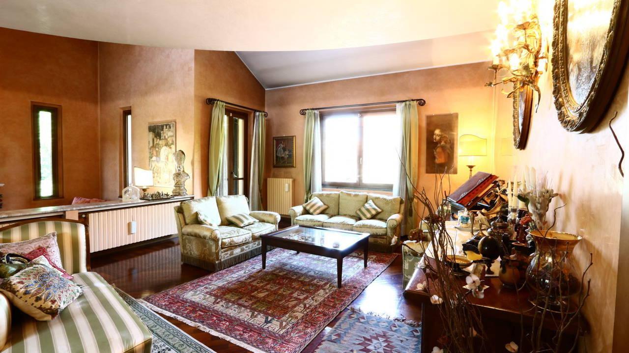 Villa-singola-signorile-in-vendita-a-Busnago-in-Brianza-7