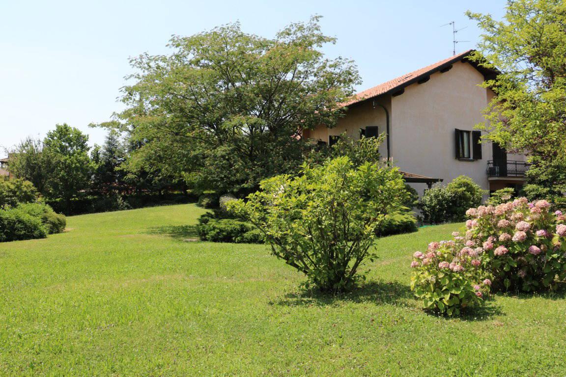 Villa-singola-signorile-in-vendita-a-Busnago-in-Brianza-8