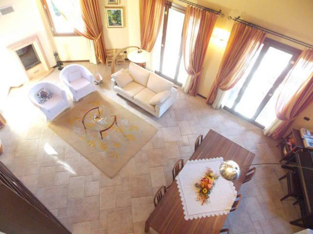 Ville-con-giardino-in-vendita-in-Brianza-24