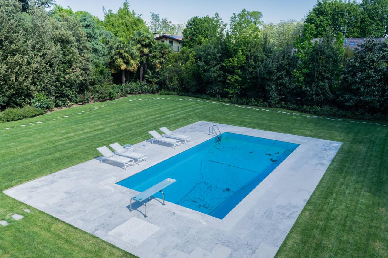 vendita-villa-con-piscina-lesmo-casaestyle (22)