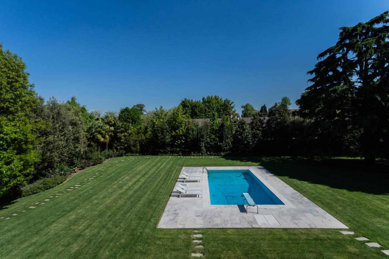 vendita-villa-con-piscina-lesmo-casaestyle (31)