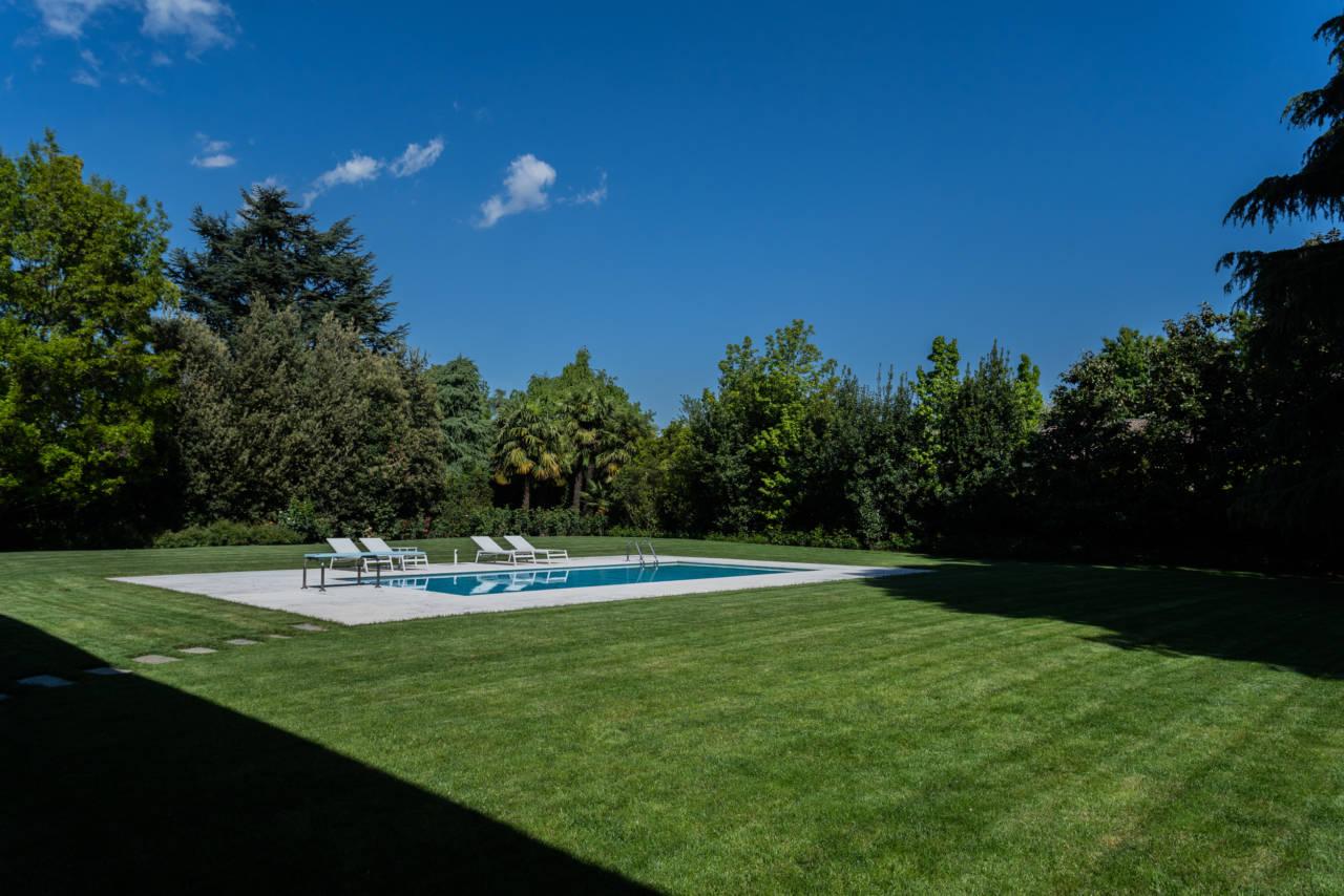 vendita-villa-con-piscina-lesmo-casaestyle (39)