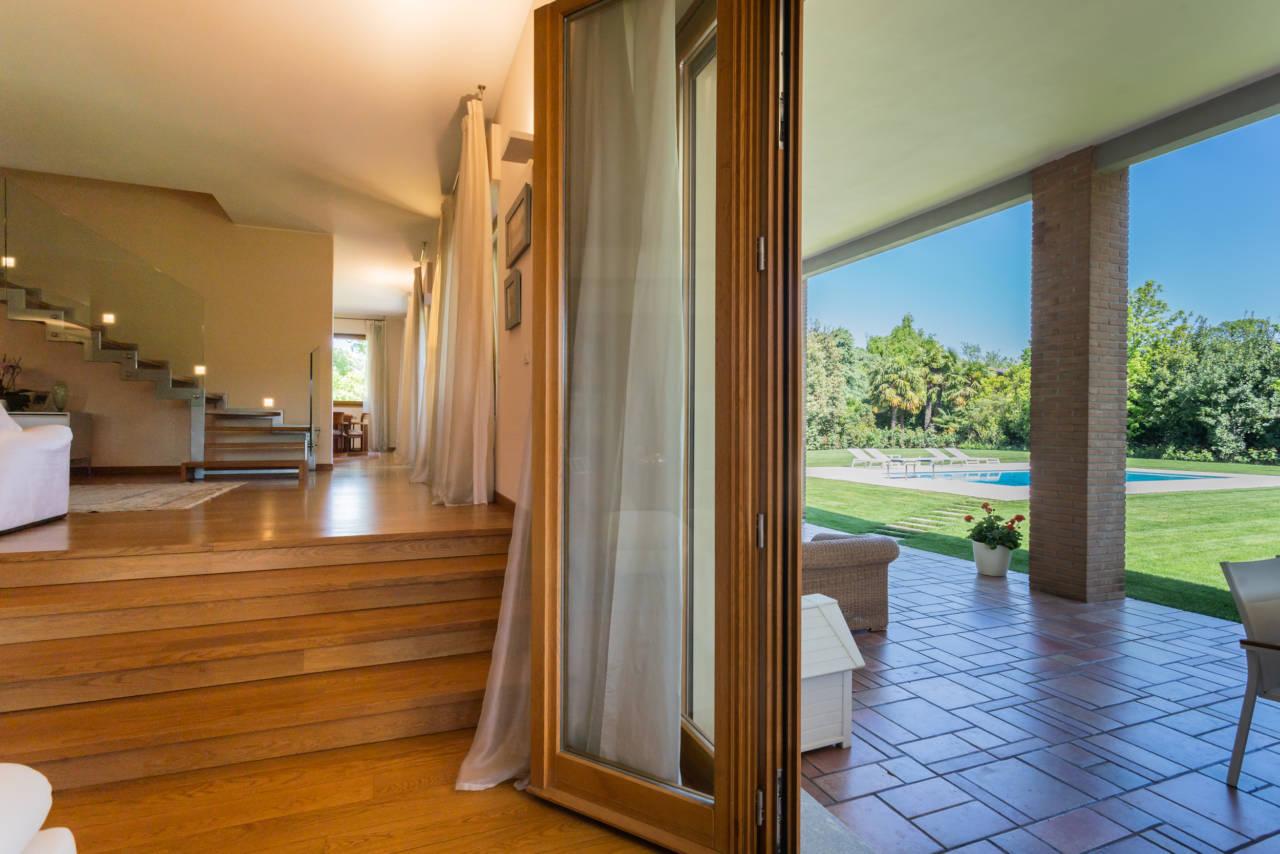 vendita-villa-con-piscina-lesmo-casaestyle (4)