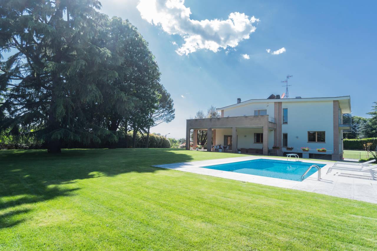 vendita-villa-con-piscina-lesmo-casaestyle (43)