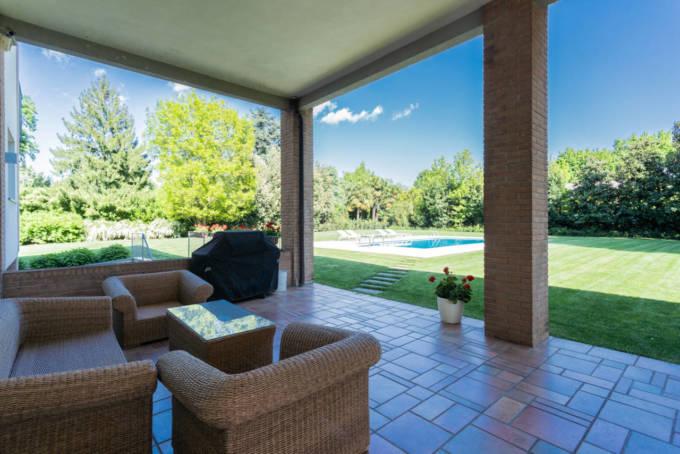 villa-con-piscina-in-vendita-a-Lesmo