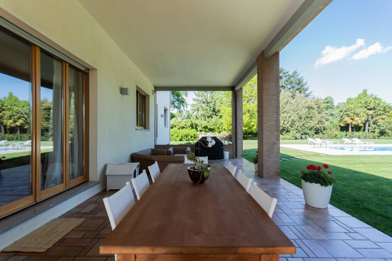 vendita-villa-con-piscina-lesmo-casaestyle (47)