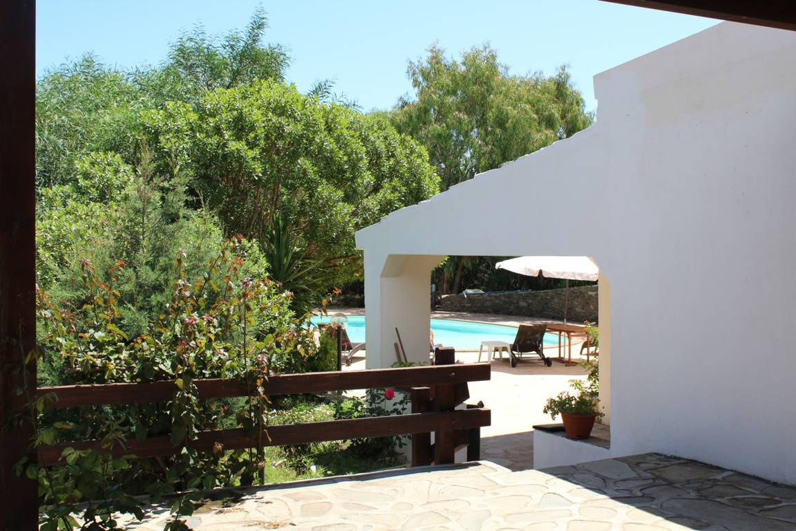 villa-con-piscina-in-vendita-a-stintino-sardegna (14)