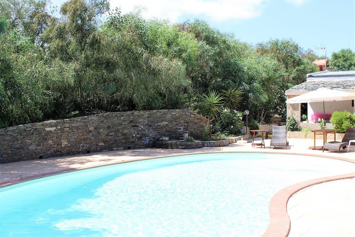 villa-con-piscina-in-vendita-a-stintino-sardegna (3)