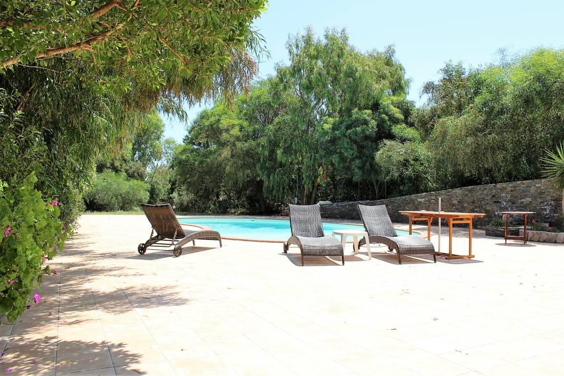 villa-con-piscina-in-vendita-a-stintino-sardegna