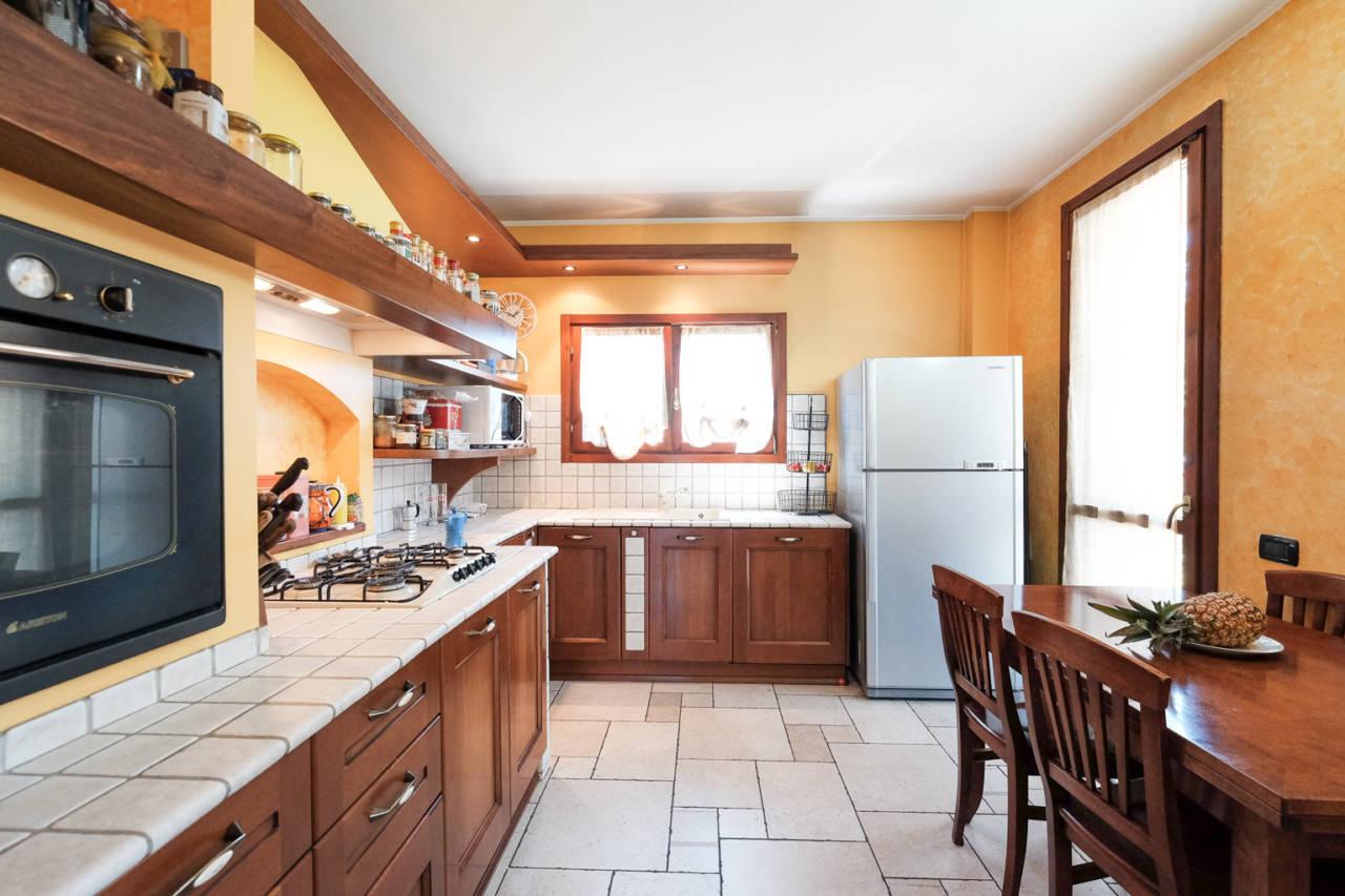 vendita-villa-ornago (10)
