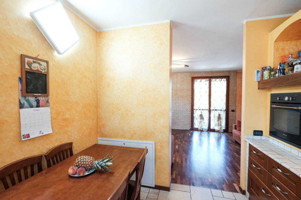 vendita-villa-ornago (12)