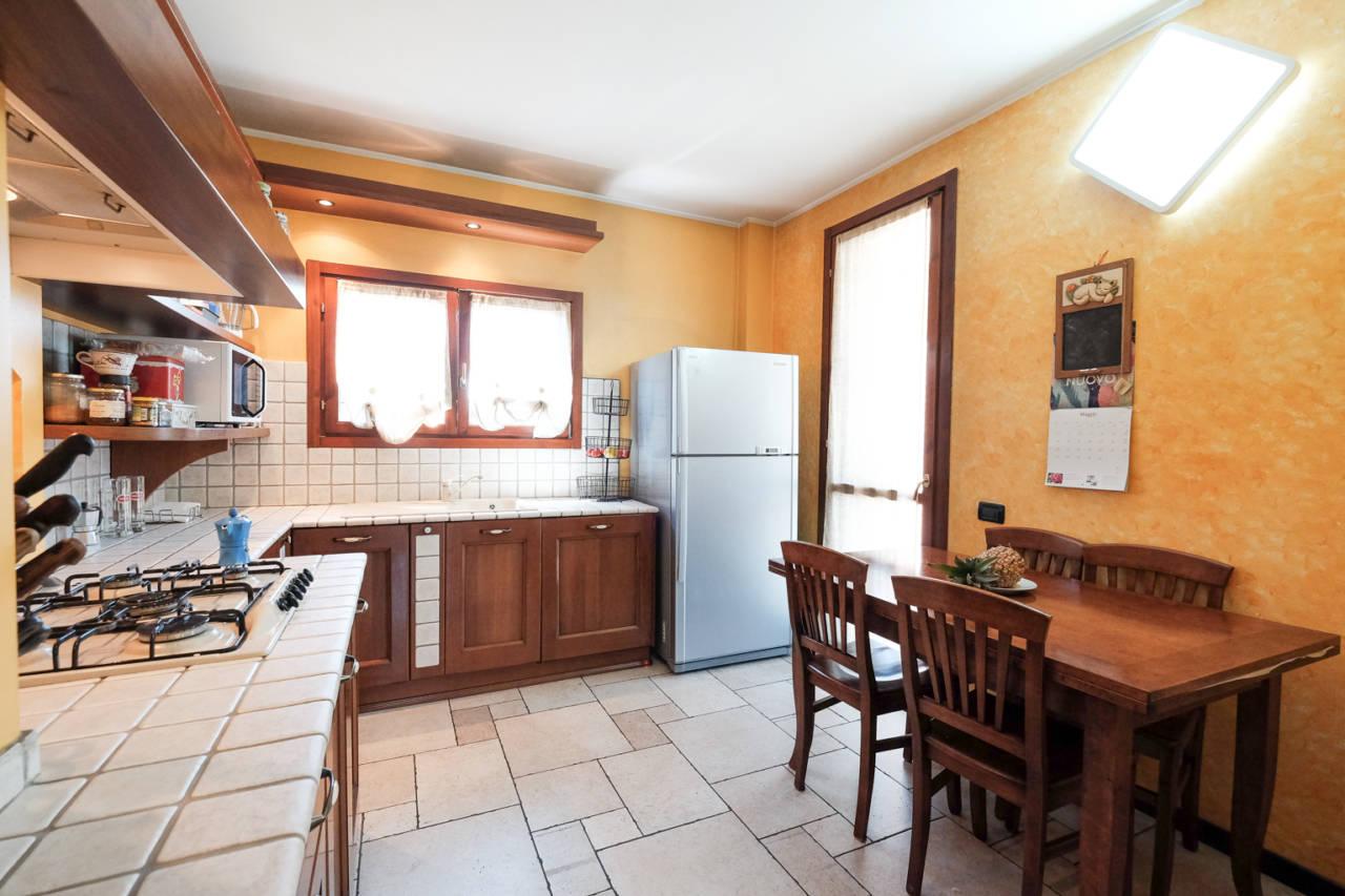 vendita-villa-ornago (13)