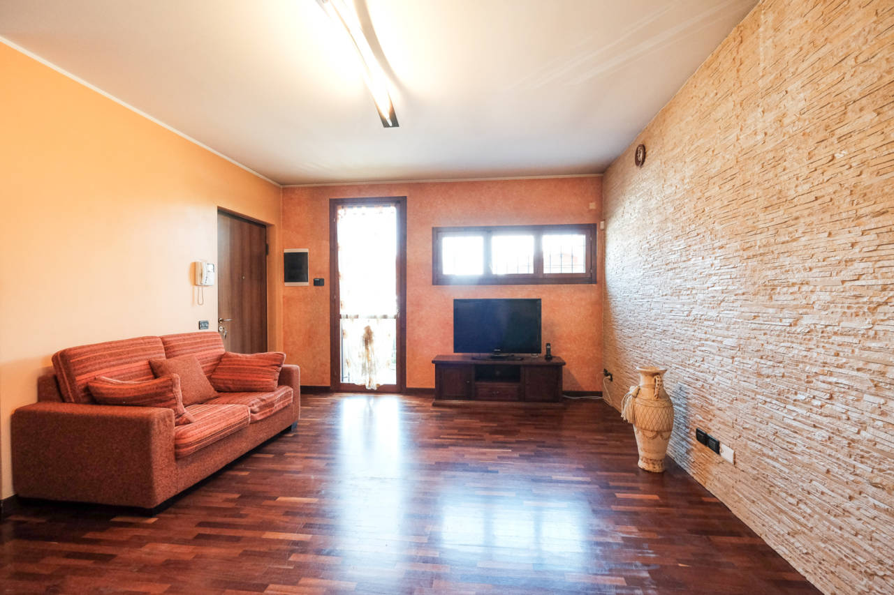 vendita-villa-ornago (25)