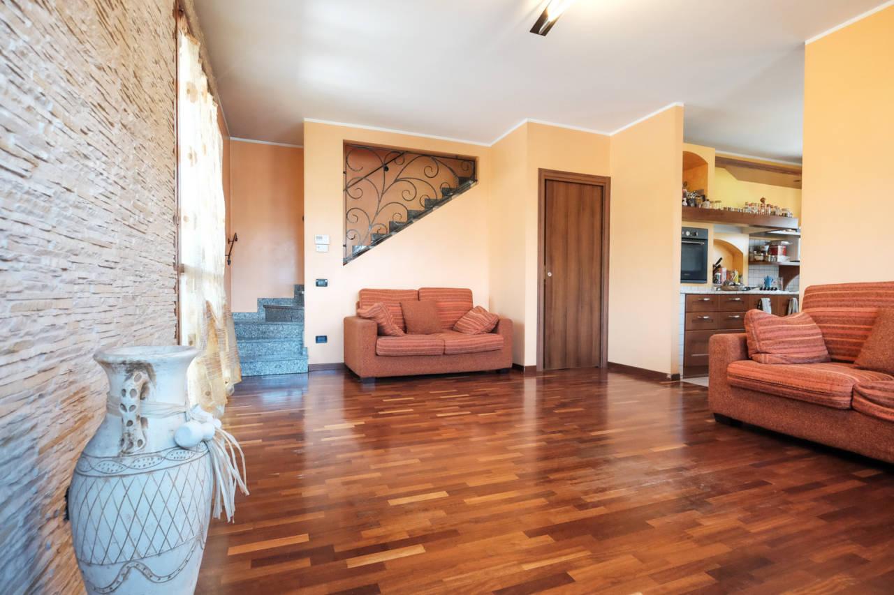 vendita-villa-ornago (26)