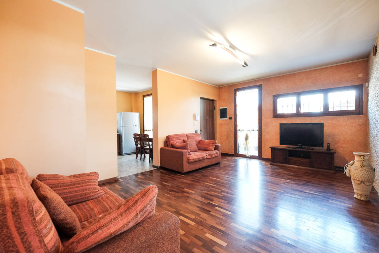 vendita-villa-ornago (27)