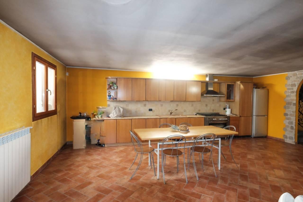 vendita-villa-ornago (33)