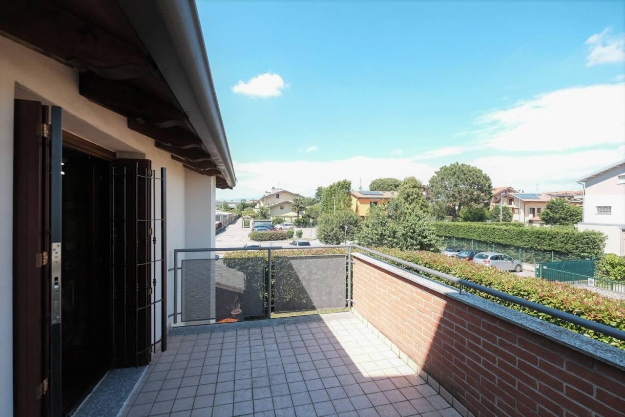 vendita-villa-ornago (35)