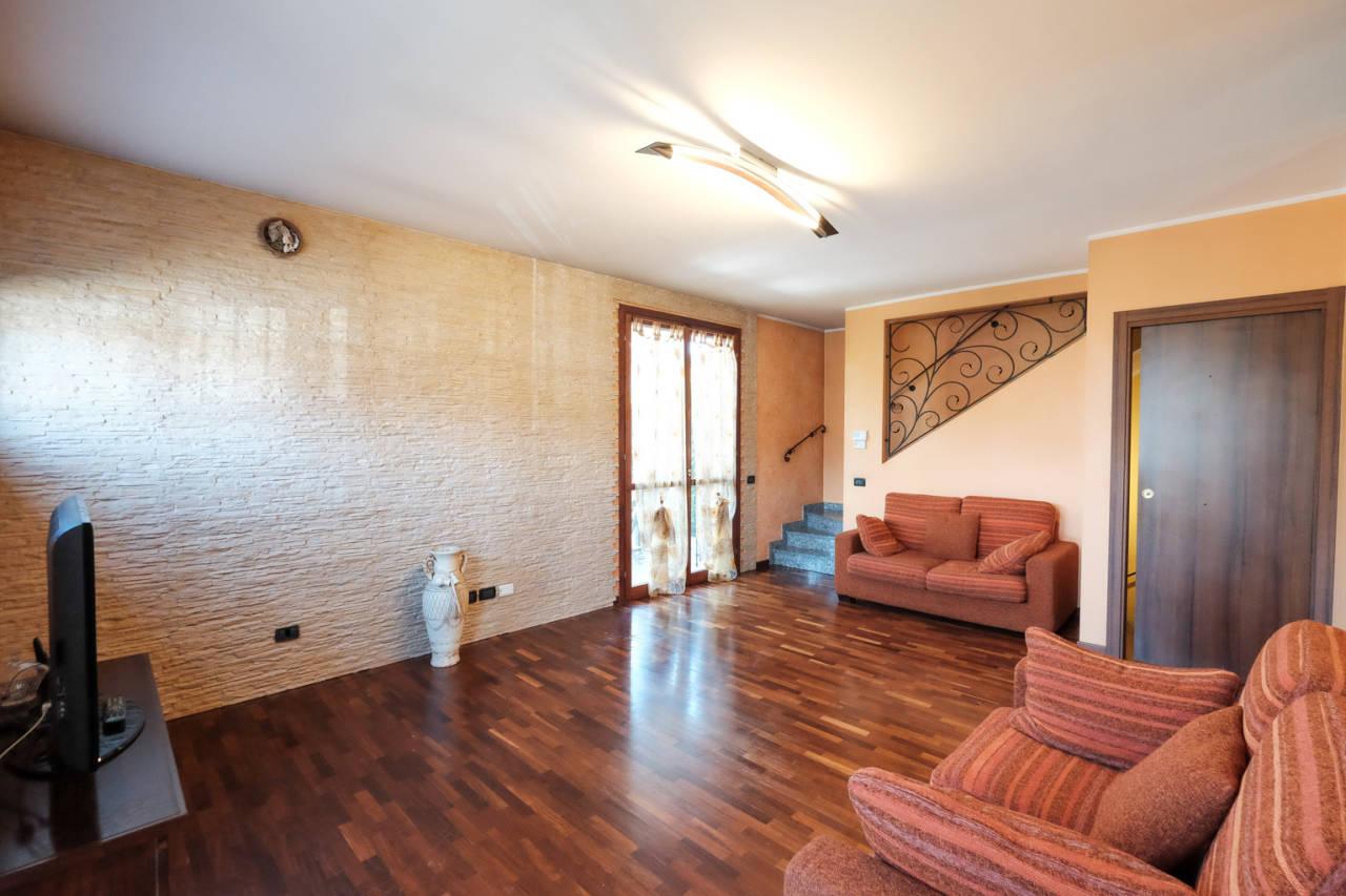 vendita-villa-ornago (38)