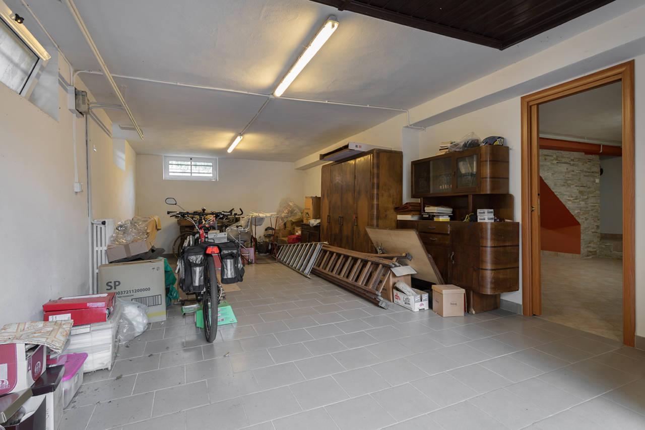 villa-in-vendita-a-vimercate (17)