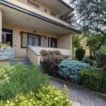 Protetto: Villa con due appartamenti in vendita a Vimercate