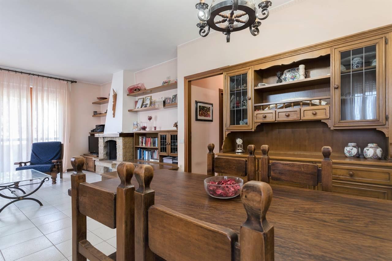 villa-in-vendita-a-vimercate (2)
