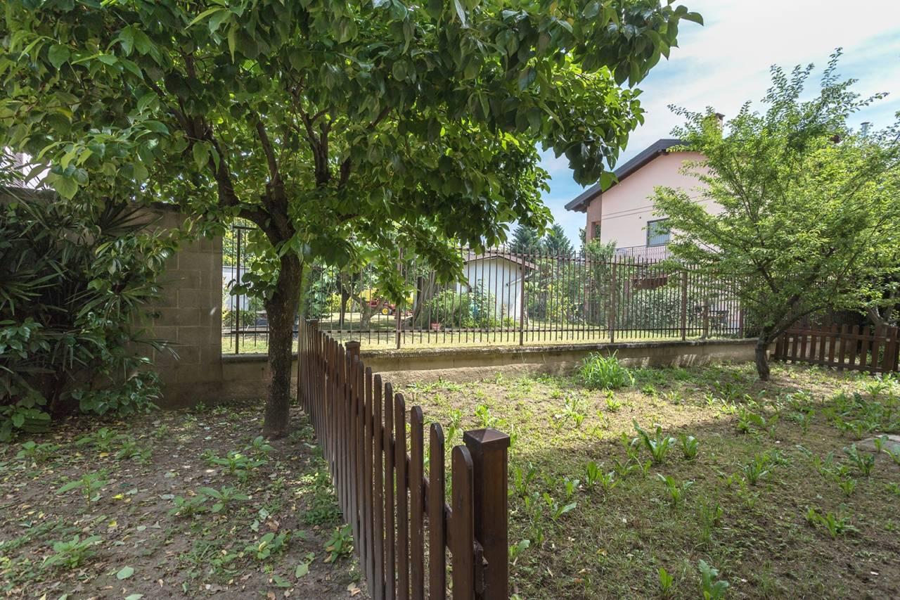 villa-in-vendita-a-vimercate (5)