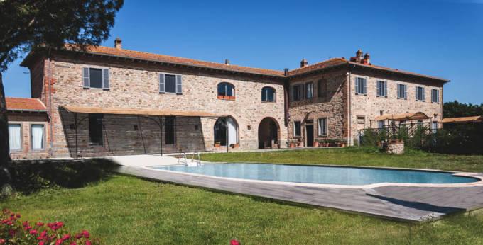 Casale in Toscana Val di Chiana in vendita