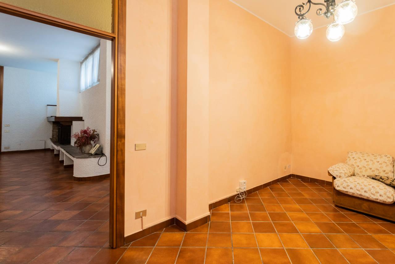 Villa con piscina in vendita a Rozzano (10)
