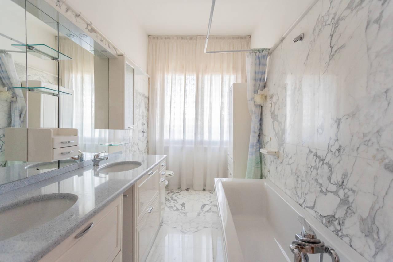 Villa con piscina in vendita a Rozzano (14) - Copia