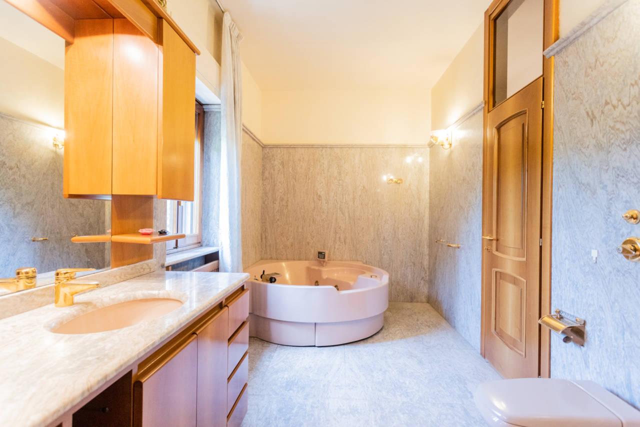 Villa con piscina in vendita a Rozzano (15)