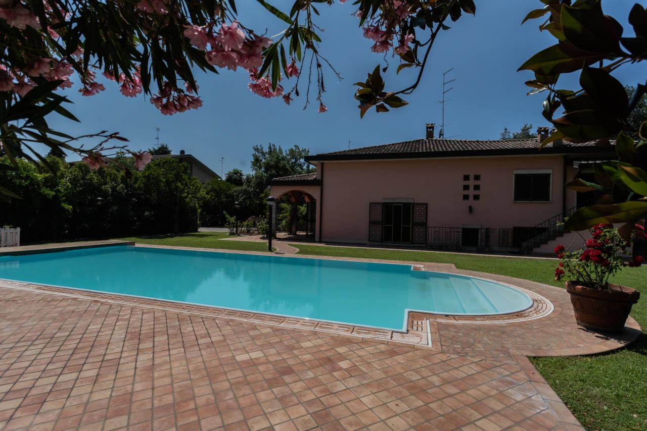 Villa con piscina in vendita a Rozzano (26)