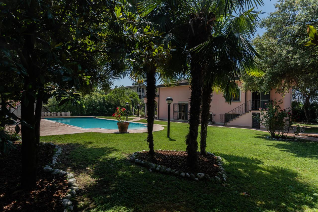 Villa con piscina in vendita a Rozzano (27)